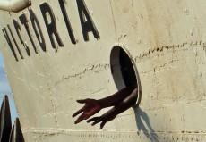 DSC04832schiff-haende_lake_victoria_tansania
